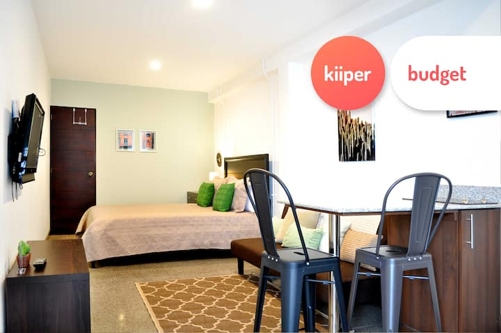 kiiper budget | Private & Equipped Studio | 2 PPL