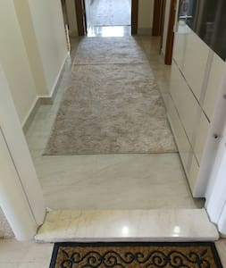 Just a 3 cm high marble Plate in the entrance as usual in turkey.