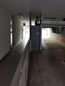 Accès à l'entrée sans marche
