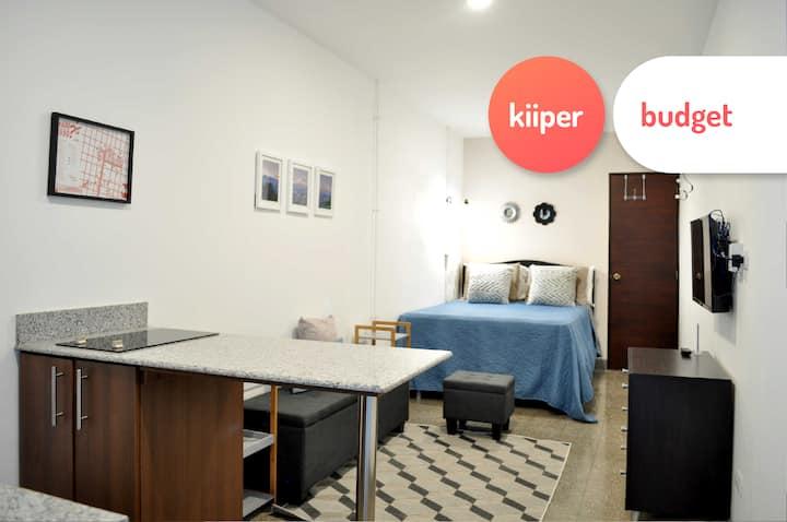 kiiper budget | Cozy Downtown Studio | 2 PPL