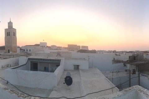 La porte bleue de Menara - La médina de Tunis