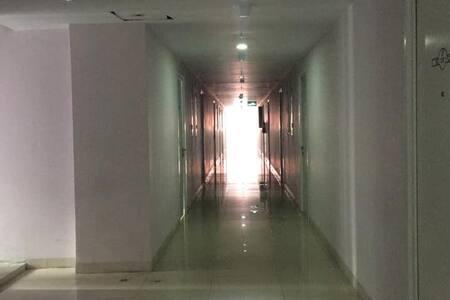 Corridor tower Scarlet