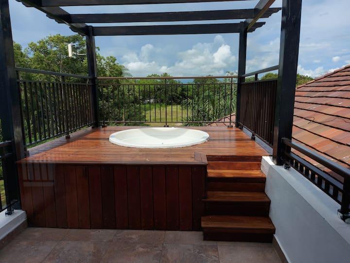 Casa del Lago 2 Bedroom Penthouse w/jacuzzi (#303)