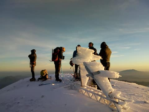 ROPOL MOUNTAIN SERVICES ll (mountaineering)