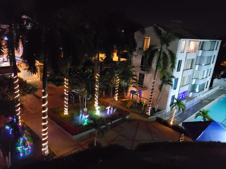 Bello apartamento amoblad en conjunto con piscina