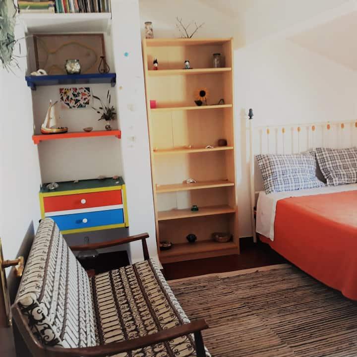 Private room in center of Peniche