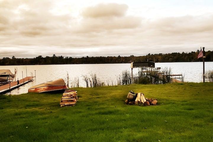 "Roosevelt Lake up North Retreat ""Free Firewood"""