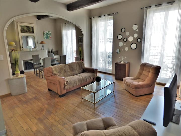 Saens 4-2 bedroom sunny single storey flat (85m2)-Optional garage-Historic Center & 20min beaches