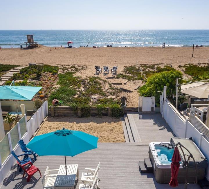 Beachfront House w/Spa, Deck + VIEWS