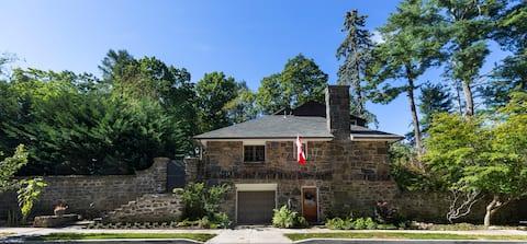 Hudson Valley Historical Stone House Getaway