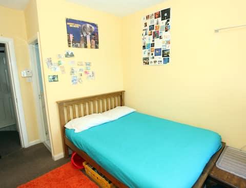 Οι φτηνότερες ιδιωτικό δωμάτιο στο Limerick - δίπλα στο ποτάμι