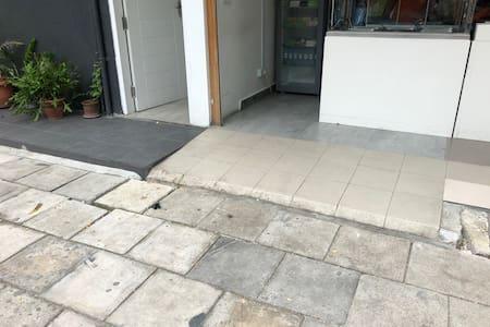 Cesta k vchodu bez schodov