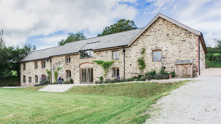 The Linhay - Luxury 8 Bed accommodation - Exmoor
