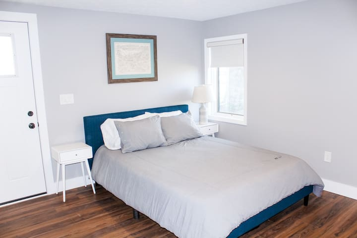 Family Bedroom - 1Q, 2F, 2T