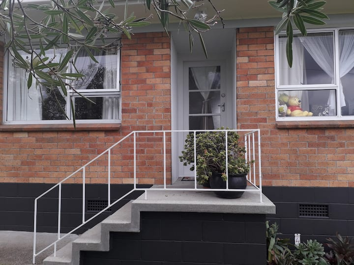 Double Room for Lady/Couple in Family Unit Tuakau
