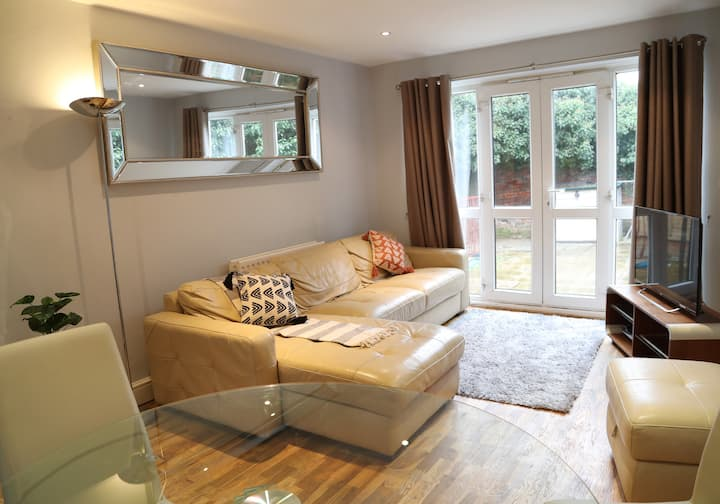 Two bed apartment in Old Town, Hemel Hempstead