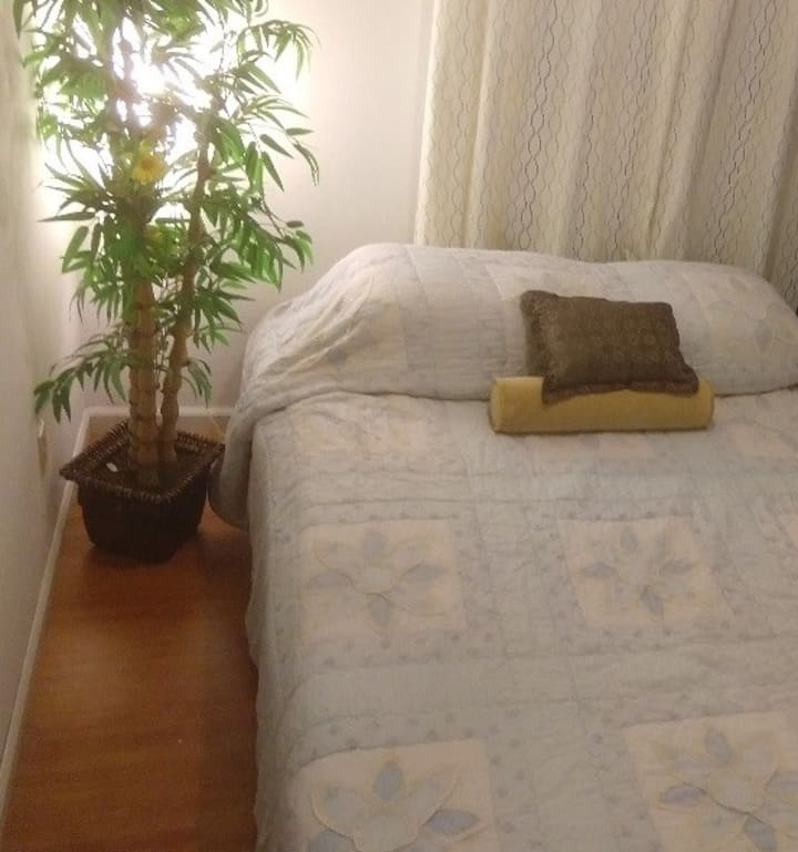 Beautiful Private Bedroom  Double  Bed 2nd Floor
