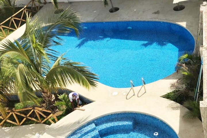 Private Apartment with Kitchen and Pool near Beach