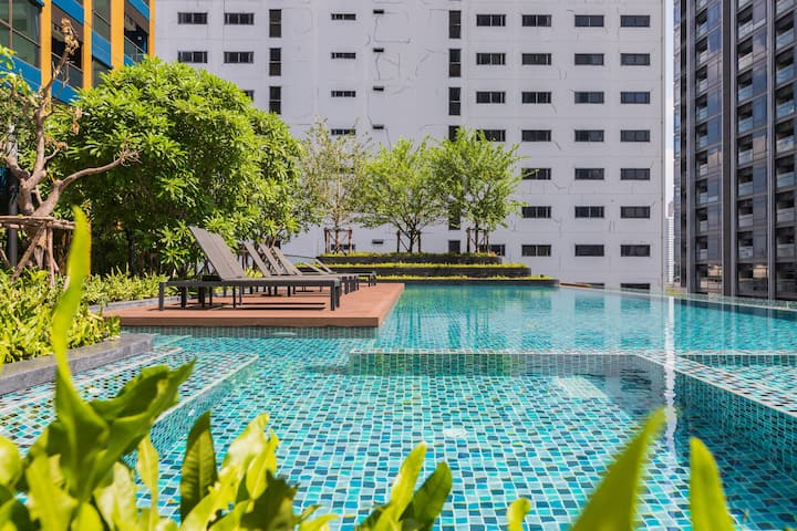 30days!  Sukhumvit NANA spacious 1BR 2PPL near BTS