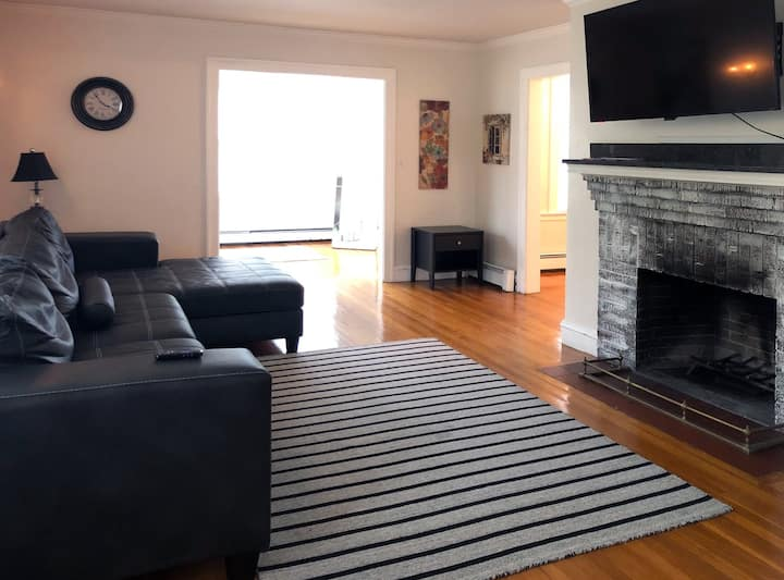 (65-2) Deleaded Spacious Home, 15 min from City