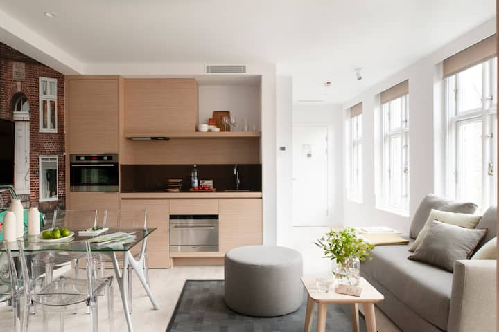 Trendy, Serviced Apartment near Central Station