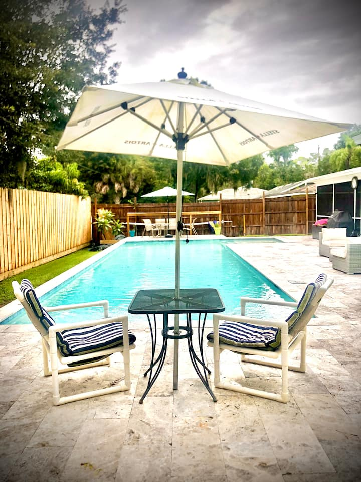 Private Sarasota Efficiency with Shared Pool