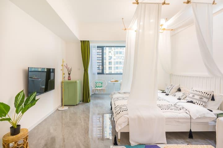 【喜欢你】宁德动车站边上新装修独门独户单身公寓密码入住豪华大床房带秋千椅