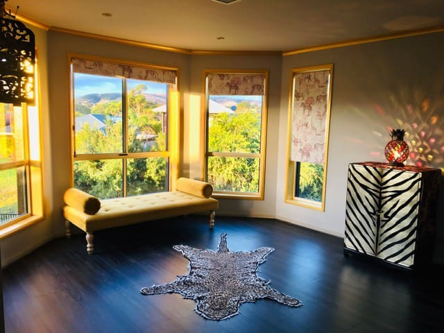 King Room with view of the hills