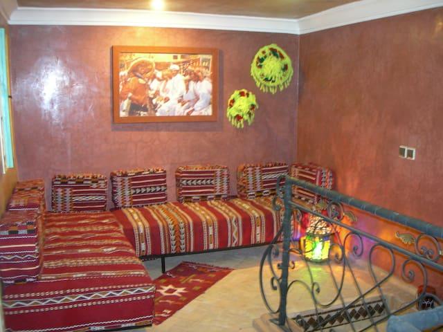Chambre Agadir : deux lits en équerre.