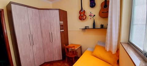 Yellow Room in the Heart of Juiz de Fora