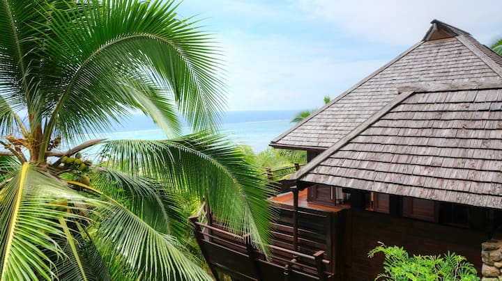 The TreeTop House with panoramic ocean view, A/C.