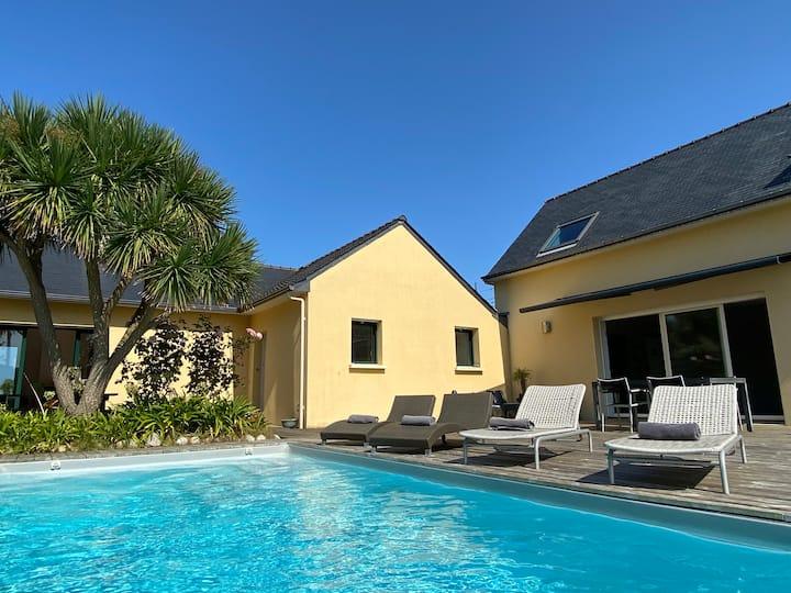 Villa 8 pers, piscine, hammam,   200m plage