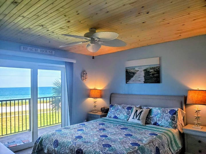2/2 Direct Oceanfront w/ Oversized Private Balcony
