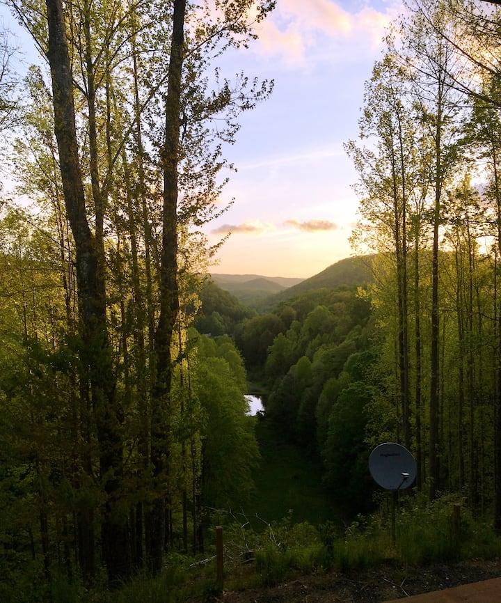 Roan Mountain View Retreat near Appalachian Trail