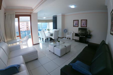 Lindo apartamento 2 quadras praia - c/ garagem