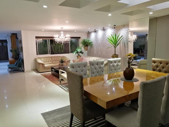 Hermoso apartamento, lujoso al lado de cabecera.