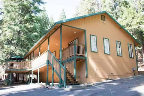 NEW!!! Beautiful relaxing home at Lake Almanor.