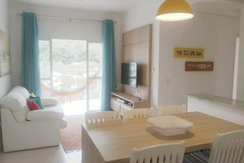 Красивая и комфортабельная квартира в 50 м от пляжа!