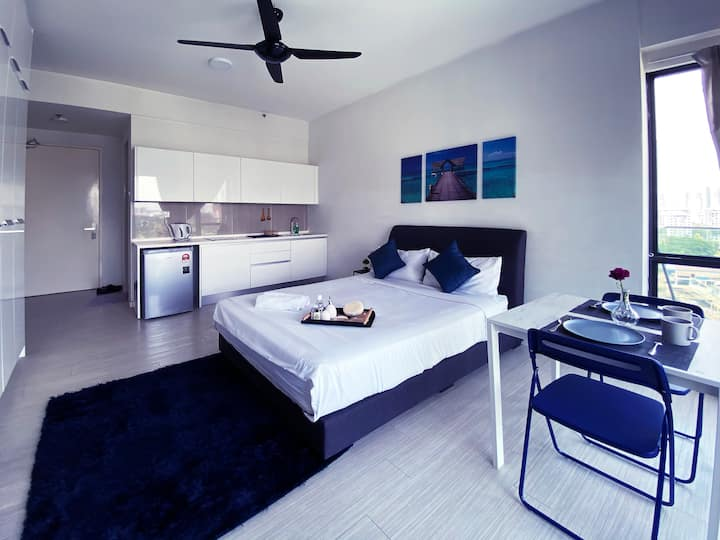PJ The Grand Sofo, near Sunway area, 2 guests