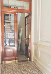 Acceso amplio, apertura de ambas puertas
