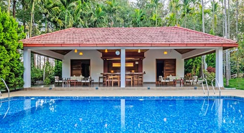 ★Tall Silver 2BR★Private Pool/River Facing @ Coorg