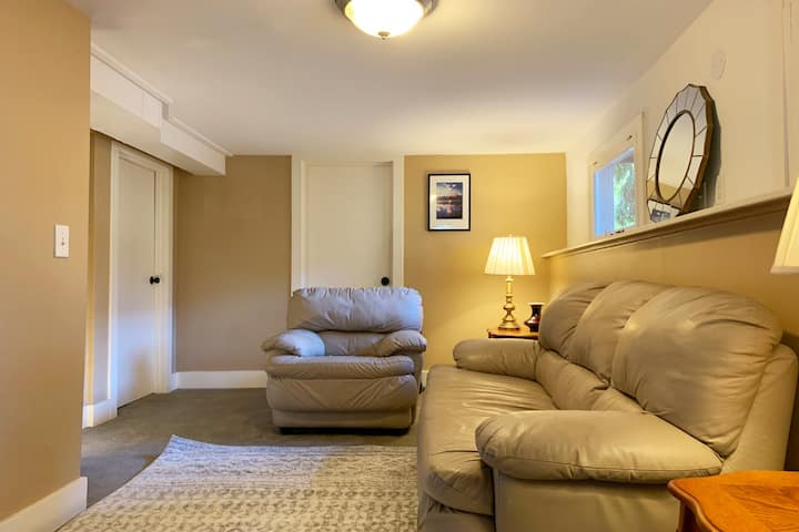 Cozy Private 3-Bedrooms Suite by UW Campus