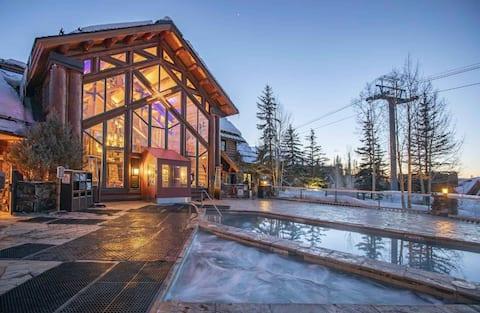 The Alpine Escape: Ski, Soak, Sip