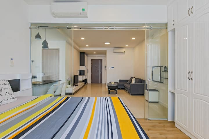 BRAND NEW: Cool Huge 1BR ICON56 *Free Rooftop Pool