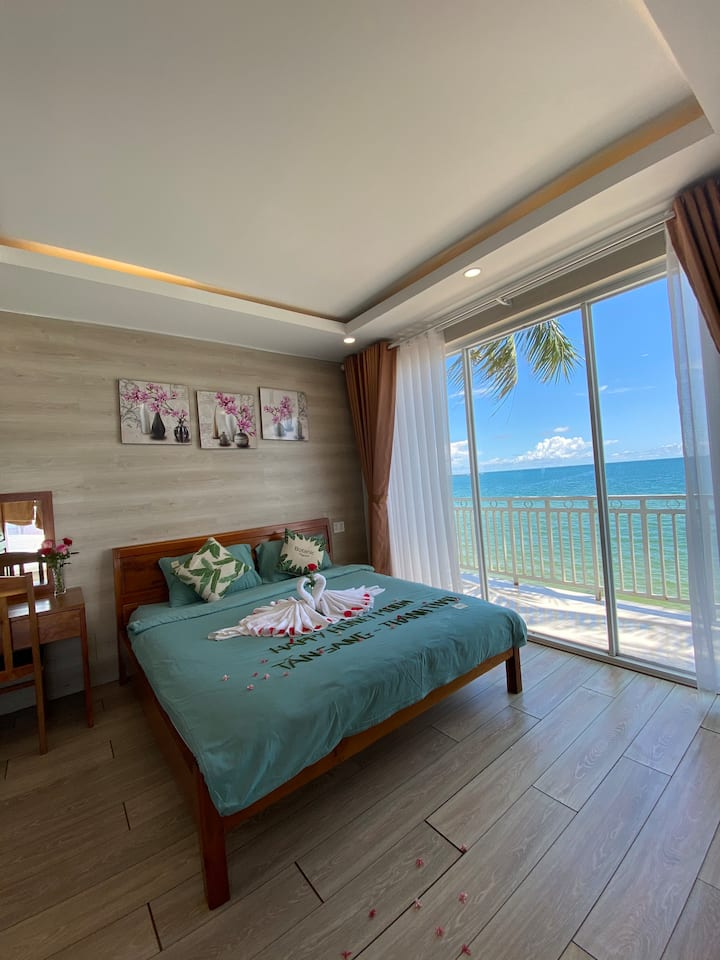 SEA VIEW ROOM WITH BALCONY - CHILL HOUSE 1 (14)