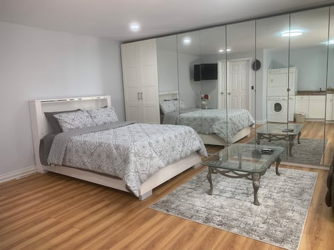 Newly Remodeled Studio In Culver City
