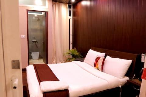 Laxmi Bhawan: Private cosy room with balcony