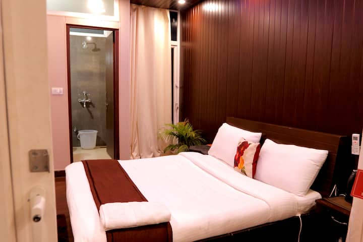 Laxmi Bhawan: Private cosy room with balcony