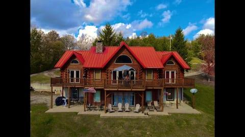 Log Cabin on Lake  Williamstown.