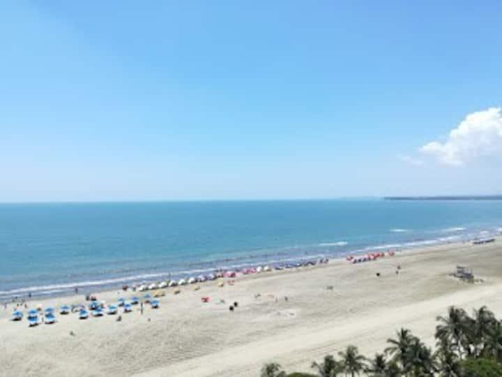 Beach apartment. Resort style by Hotel LASAMERICAS